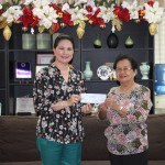 Vice Governor Jie Jie Almonte extends financial assistance to Punong Brgy Lucita M. Abiles of Brgy. Tipolo, Plaridel for the installation of solar street lighting system
